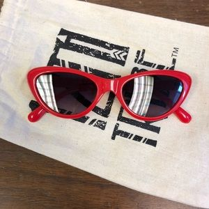 Red riviera retro sunnies